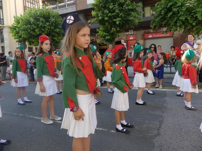 Txikitxoenek San Juan festetan murgildu dute herria - 12