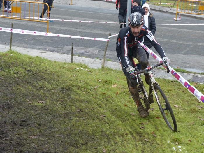 Ruiz de Larrinaga eta Lekuona garaile Arrasateko ziklo-krosean - 75