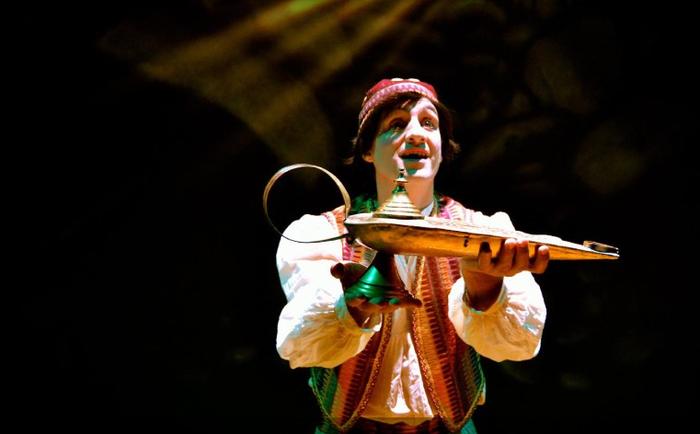 Aladino eta kriseilu magikoa Elgetan izango dira zapatuan