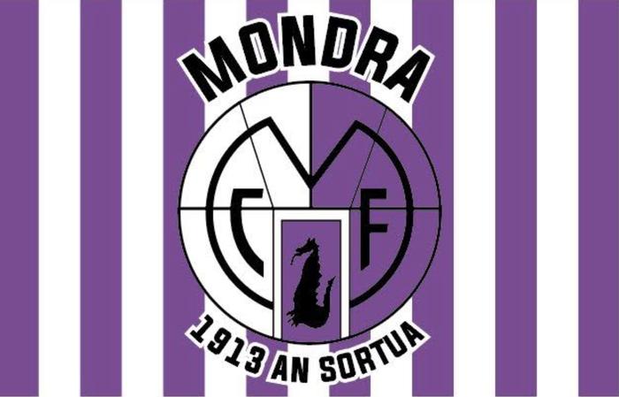 Mondrak taldea animatzeko banderak banatuko ditu bazkideen artean