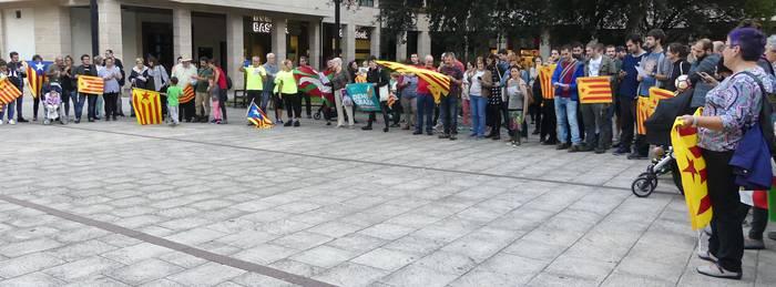 Kataluniari elkartasuna adierazteko, 'Agure zaharra' abestuko dute Iralan
