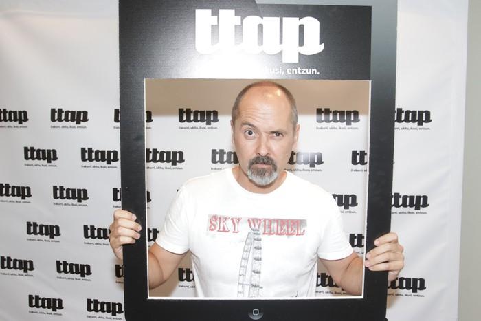 'Ttap' aldizkaria ezagutzeko jende asko elkartu da Donostian - 12