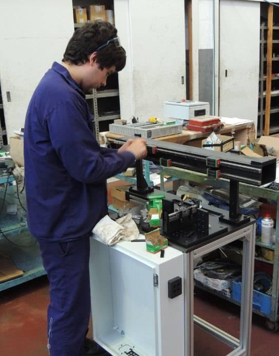 MGEPeko Mekatronika industrialeko Goi mailako zikloko ikaslea LAIBEn