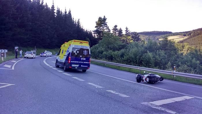 Motor gidari batek istripua izan du Arrasaten, Sara inguruan
