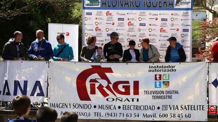 Aloñako Igoerako antolatzaileek omenaldia jaso dute