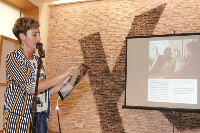 'Ttap' aldizkaria ezagutzeko jende asko elkartu da Donostian - 69