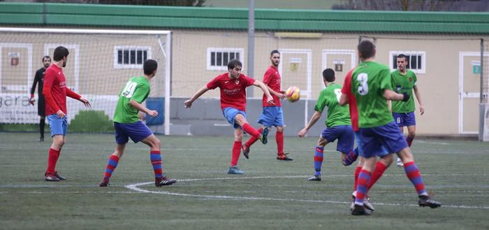 Goiko postuetako lehian egonkortzeko garaipena Aloña Mendirentzat (2-0)