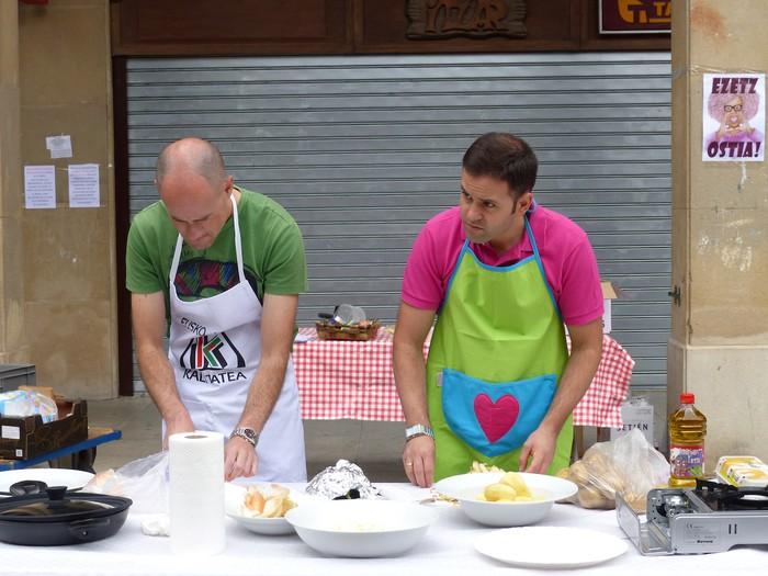 Patata tortilla lehiaketa Antzuolako jaietan - 9