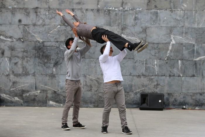 Gizarte utopiko baten dantza futurista - 30