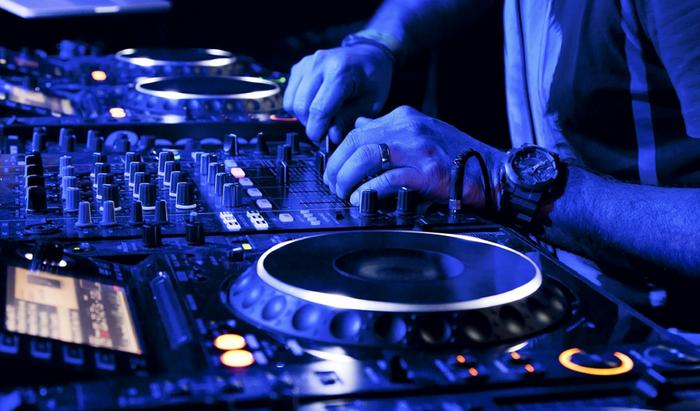 Gabon zaharretako DJ herrikoien jaialdia