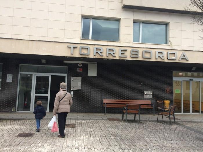 Torresoroa, gimnasioa eta gaztetxokoa Udalaren jabetzara pasako dira