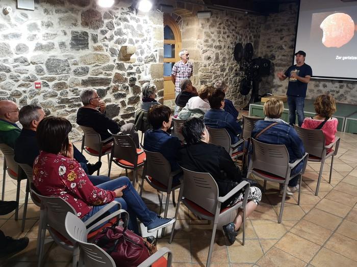 Iruña-Veleia aztarnategia aztergai izan dute