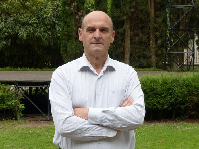 """Ramon Ugalde: """"Asko gara pentsatzen dugunok Arrasateko Udalean dauden alderdiek ez gaituztela ordezkatzen"""""""