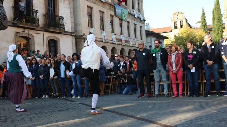 Festarako eta auzolanerako deia egin dute Kilometroak Jaiaren hasiera ekitaldian