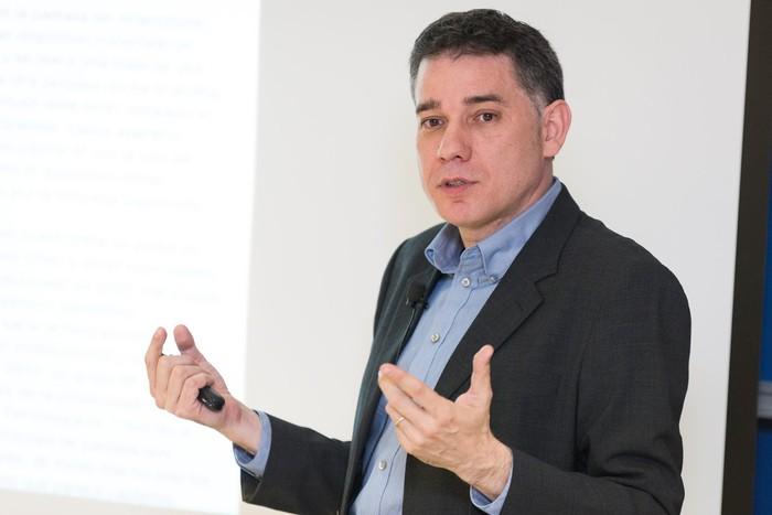 """Ramon Salaverria: """"Gakoa kazetariengan dagoela ahazten dute medioek"""""""