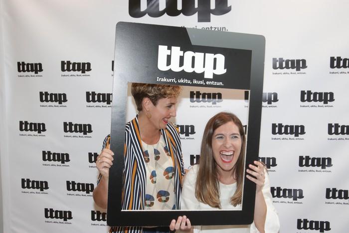 'Ttap' aldizkaria ezagutzeko jende asko elkartu da Donostian - 11