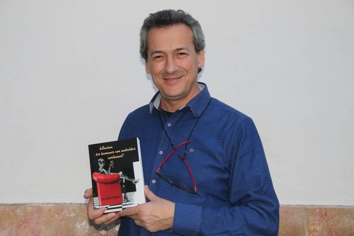 """Juan Ignacio Montiano: """"Sarri gertatu izan da liburuetan iragarritakoa"""""""