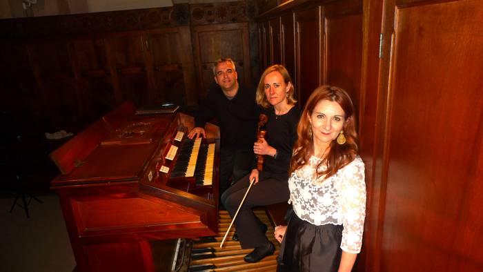 Soinu-kolore bereziz edertu dute Santa Marinako organoa kontzertuan