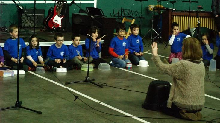 Musika eskolen harrobia Aretxabaletan
