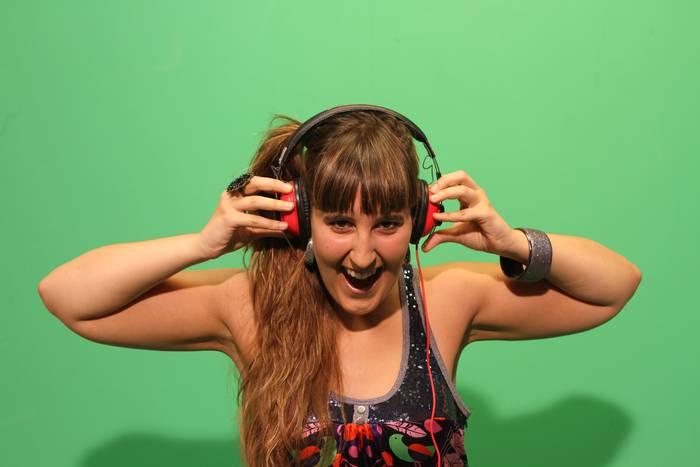 DJ jaialdia Amaia Txintxurretarekin