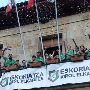 Areto futboleko gazteek lortutako Euskal koparekin borobildu du eguna Eskoriatza kirol elkarteak