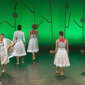 Maurizia pandero jolearen historia ezagutu dute dantzaren bitartez bergararrek