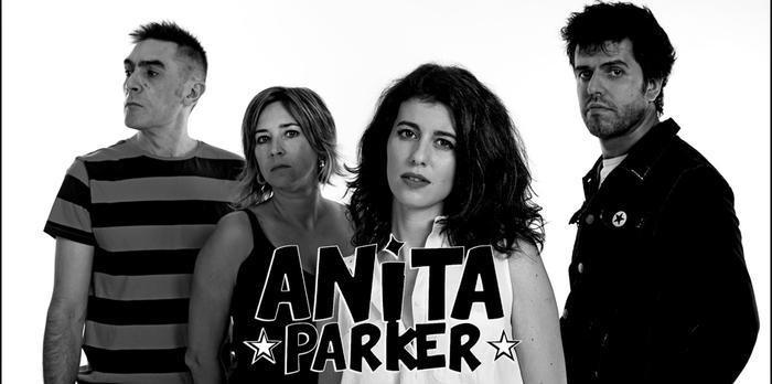 Anita Parker eta Nogen musika taldeak Oñatiko gaztelekuan