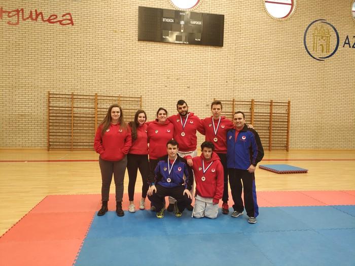 Aloña Mendik emaitza onak lortu ditu Gipuzkoako senior karate txapelketan