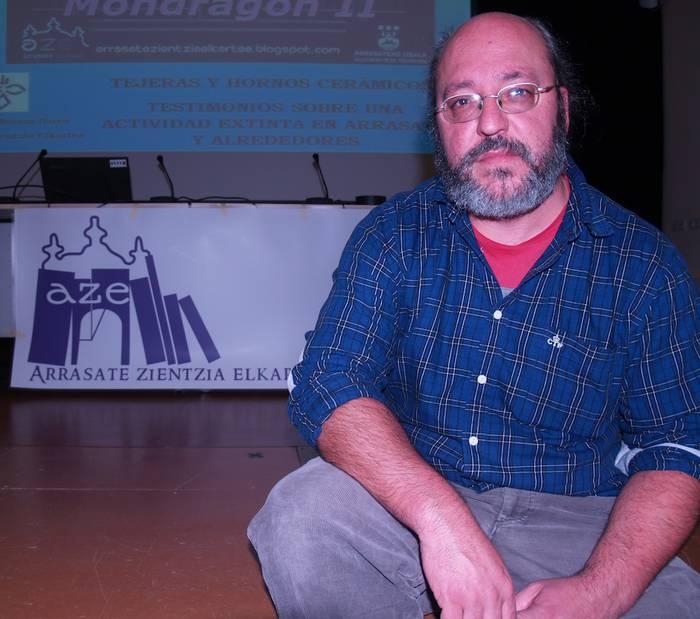 """Alfredo Morazaa: """"Bailaran XVI. mendetik aurrera hedatu zen zeramikagintza"""""""