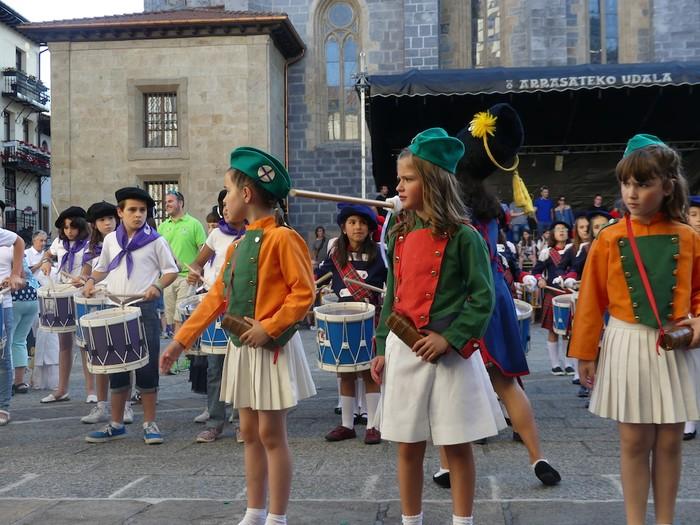 Txikitxoenek San Juan festetan murgildu dute herria - 31
