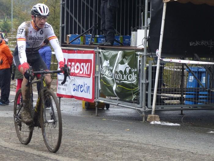 Ruiz de Larrinaga eta Lekuona garaile Arrasateko ziklo-krosean - 87
