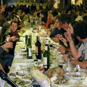 San Lorentzoren omenezko sardina jana