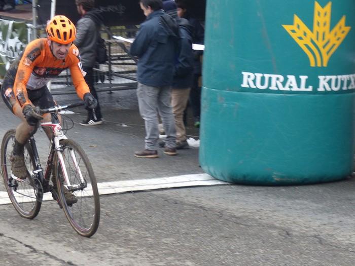 Ruiz de Larrinaga eta Lekuona garaile Arrasateko ziklo-krosean - 83