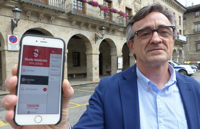 """Sabino Azkarate: """"Herritarrak gonbidatu gura ditut 'Gurean' aplikazioa deskargatzera"""""""