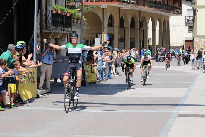 Esprintean irabazi du Cyril Barthek Antzuola Saria