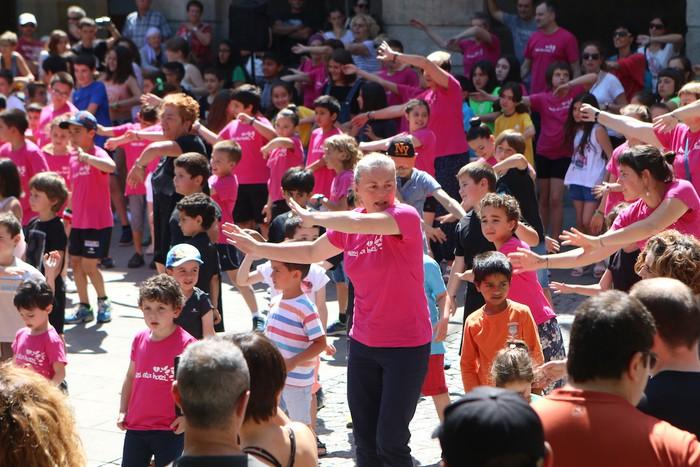 Debagoieneko Euskal Eskola publikoaren jaiko egitaraua