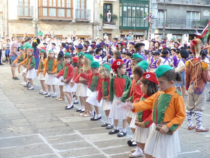 Txikitxoenek San Juan festetan murgildu dute herria - 45