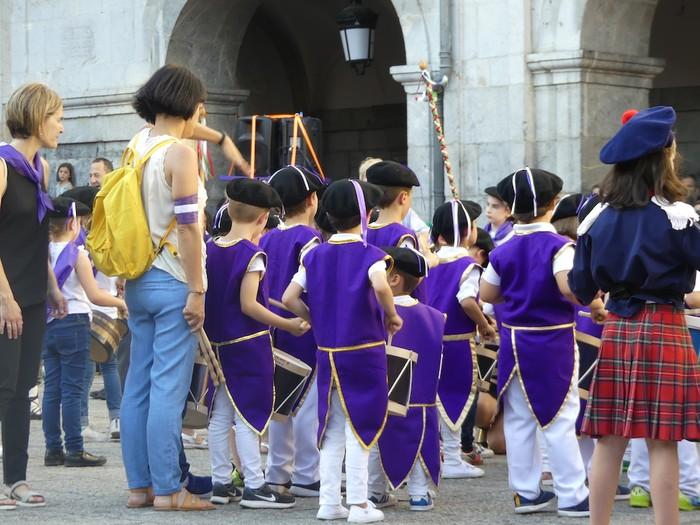 Txikitxoenek San Juan festetan murgildu dute herria - 37