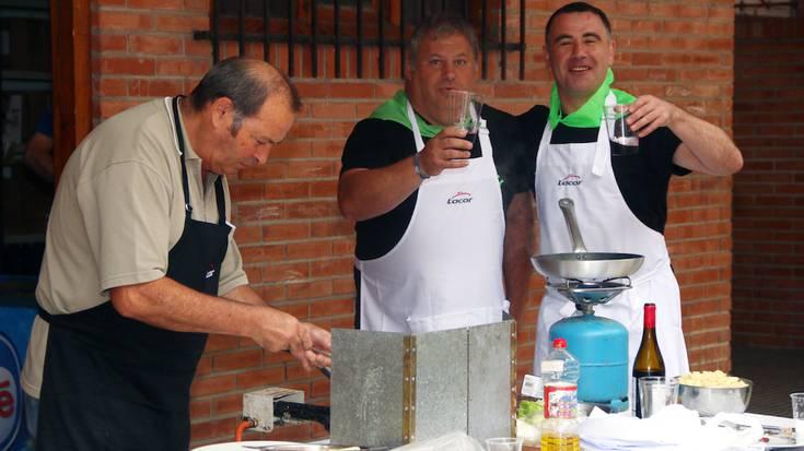 Juan Mari Arregiren tortilla eta Elene Ucinen marrazkia irabazle Boluan