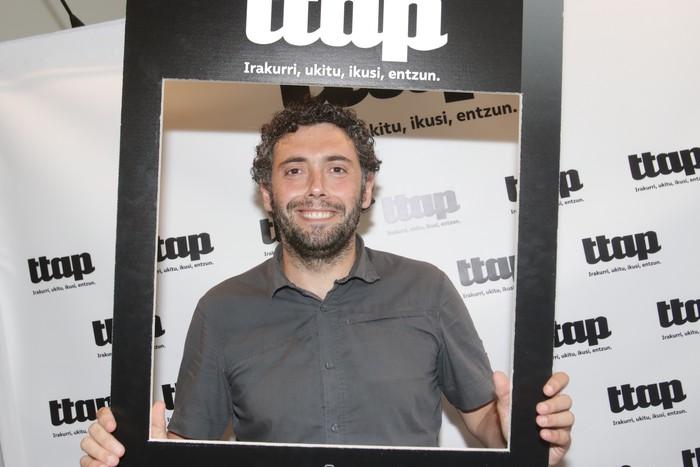'Ttap' aldizkaria ezagutzeko jende asko elkartu da Donostian - 42