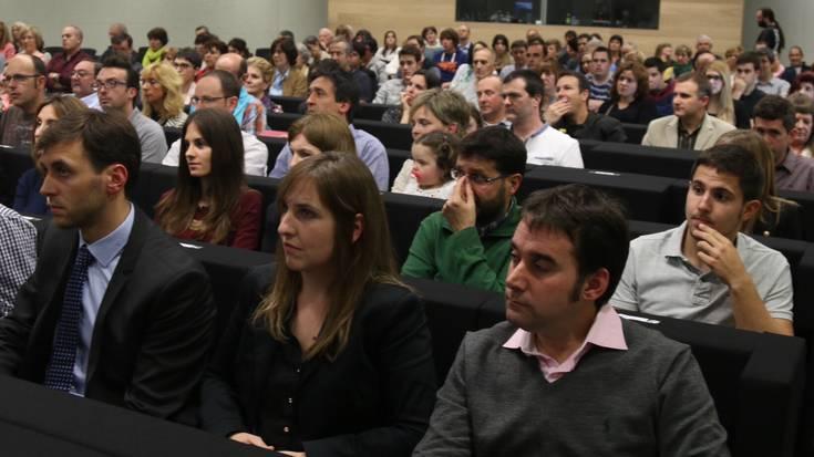 Diplomak jaso dituzte Enpresagintza fakultateko 109 ikaslek