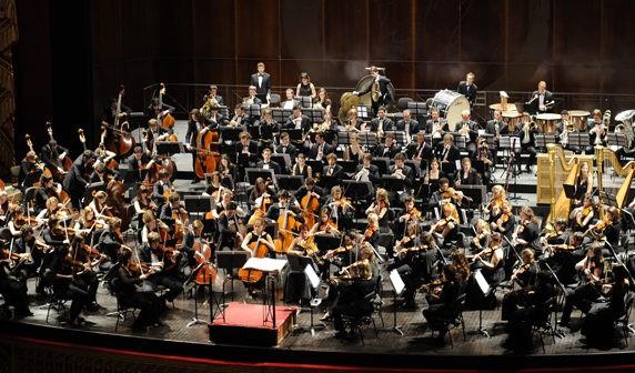 Gustav Mahler Jugendorchester eta Donostiako Orfeoia ikustera joateko autobusa antolatu dute