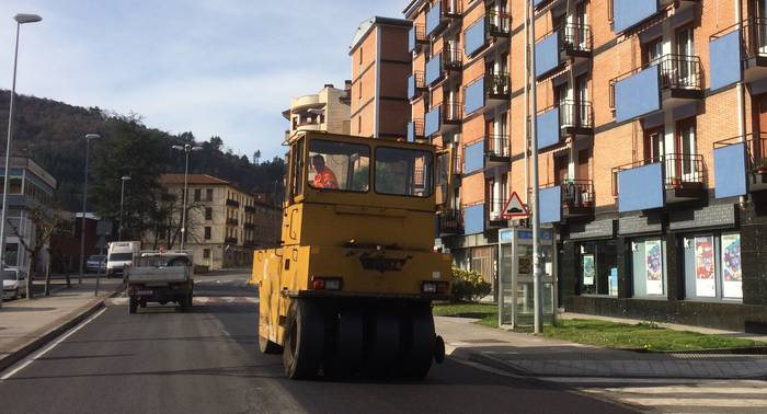 Orain arteko aurrekontu handieneko asfaltatze-plana Arrasaten