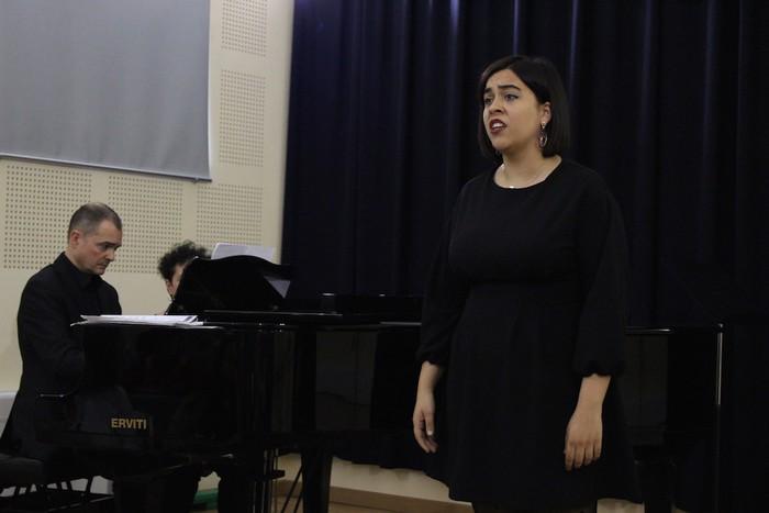 Gala Lirikoa, argazkitan - 6