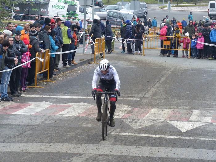 Ruiz de Larrinaga eta Lekuona garaile Arrasateko ziklo-krosean - 82