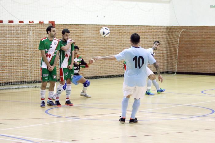 Eskoriatzak Aretxabaleta garaitu du (3-0) - 61