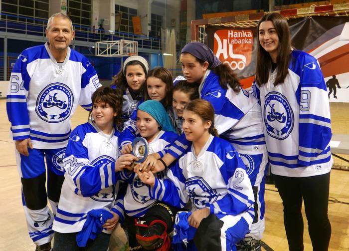 Hockey partiduak domekan Labegaraietan, Burdinola aurkezteko