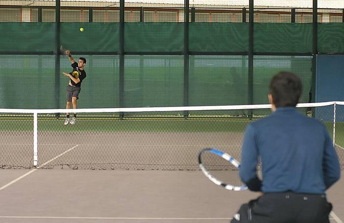 Santamasetako tenis eta padel txapelketetarako izen emateak zabalik daude
