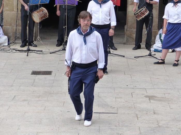 Txupina botaz eta ikurrin dantzarekin jaietan dira Antzuolan - 32