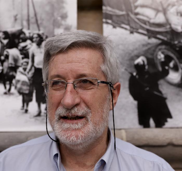 """Josu Chueca: """"1939koa erbesteratuen exodo handiena izan zen"""""""